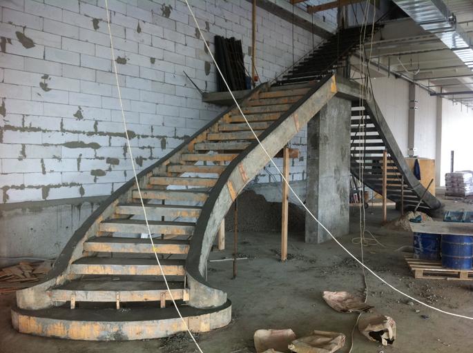 Бетонные лестница для дома своими руками