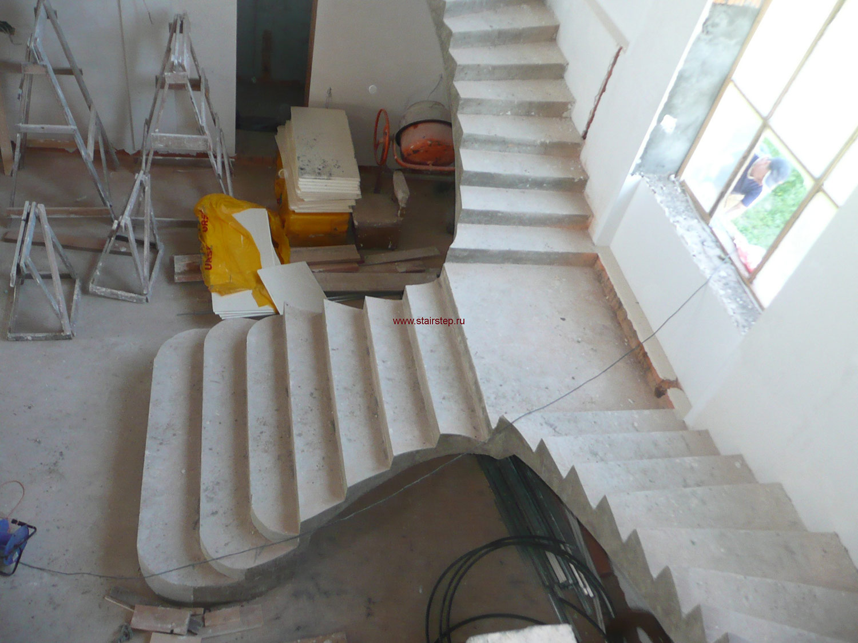 Лестницы со ступенями из дерева