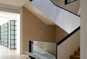 Бетонная лестница в японском стиле