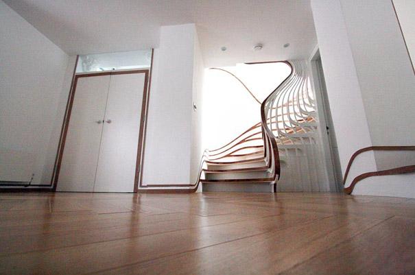 Бетонная лестница в стиле выпущенного джина