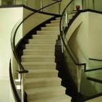 Марш-бросок под потолок по лестнице